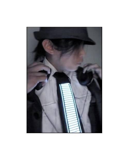 La Cravate Tron, Un Accessoire Lumineux