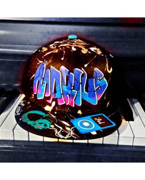 Violette Hat Dance