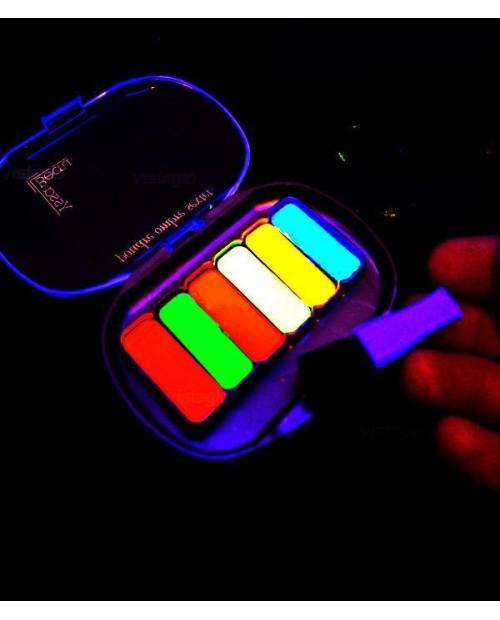 Maquillage Fluorescent