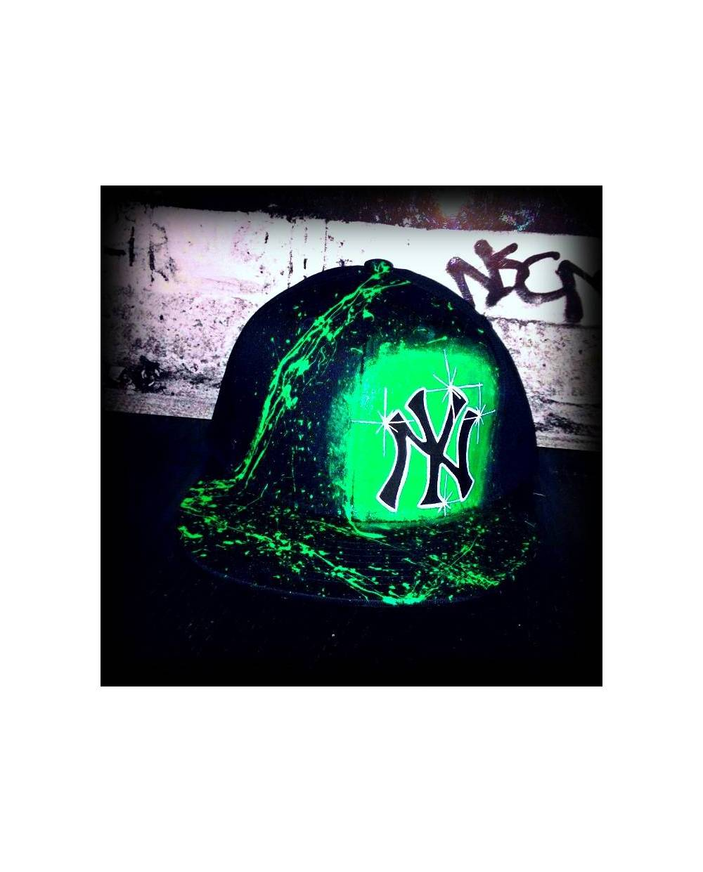 Ny Cap Black And Green Heart Jacking