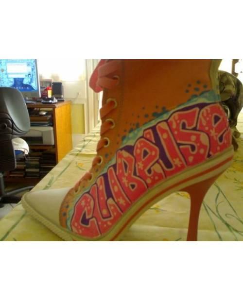 Shoe customization example: Clubbeuse