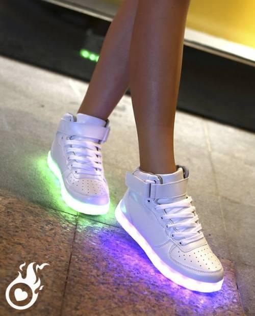 b372594436702 Baskets Lumineuses Semelle LED   Grand Choix De Basket LED