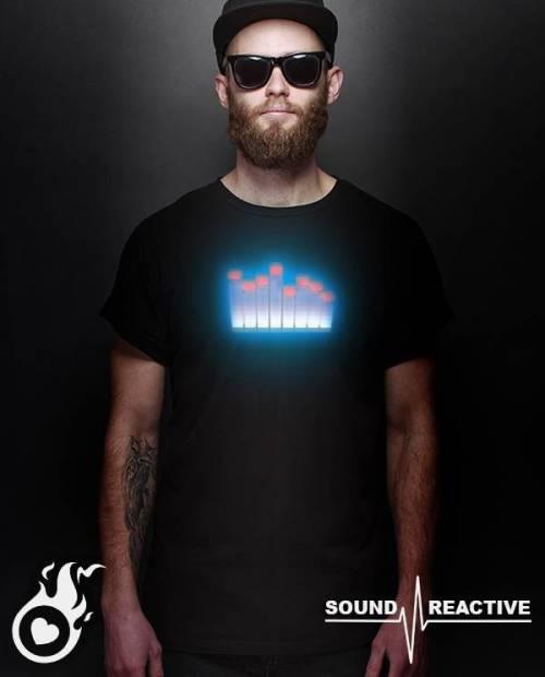T Shirt equalizer lumineux