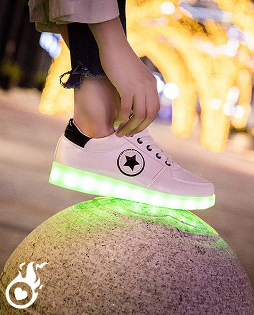 chaussure lumineuse style converse